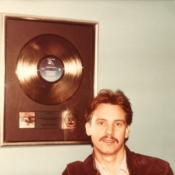 Steve-PlatinumRecord-38-600x553